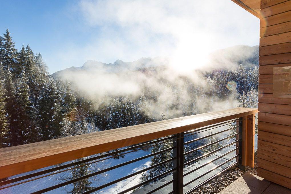 Winter Wellnessbereich Sauna Kranzbach Hotelfotografie Anneliese Kompatscher