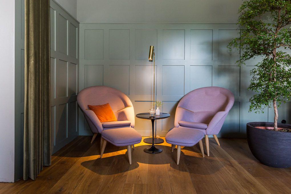 Sitzecke in der Lounge im Kranzbach