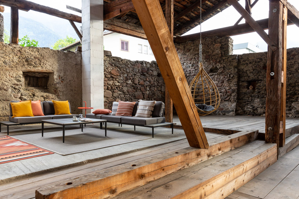 Lounge Zafig Historic Homes